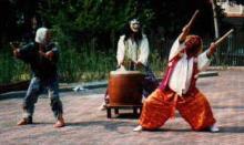 河川の氾濫に苦しんだ農民たちが五穀豊穣を願って打ち鳴らした、実に楽天的な太鼓である。